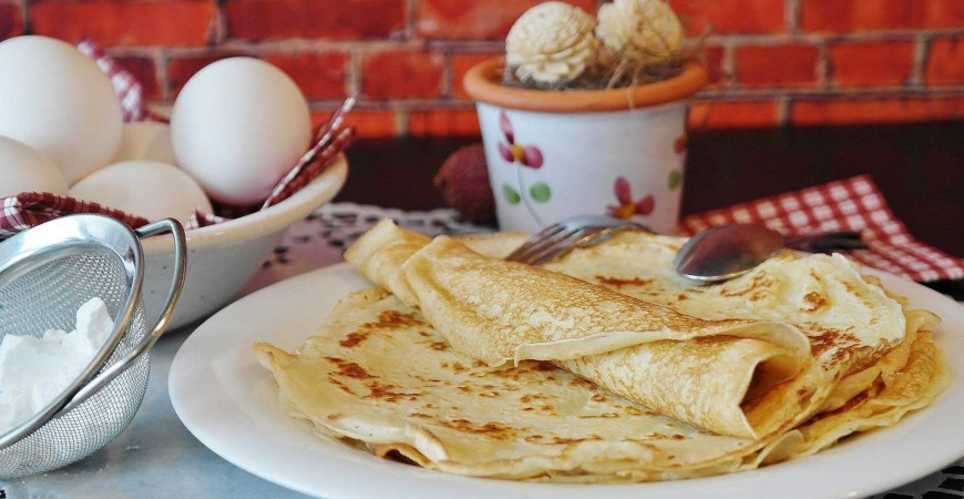"The best recipe to make French pancakes ""thin crepes"""