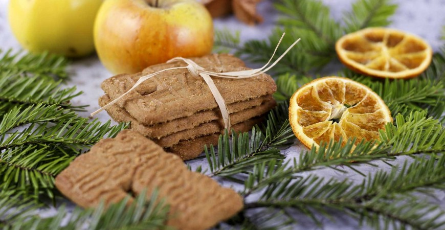Recipe and the origins of the biscuit Speculaas also known as speculoos in Belgium